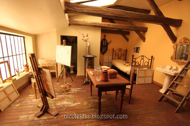 mini artist bedroom