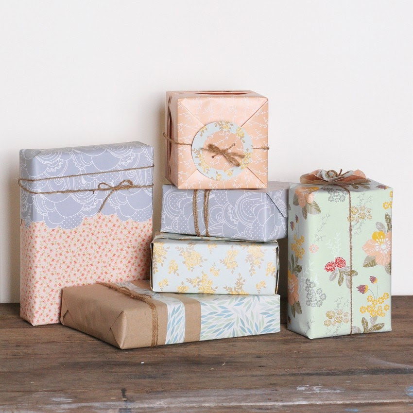 Wrapping paper x 1 (choose your design)