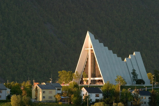 Thousands Leave Norwegian Church as Online Registration Backfires