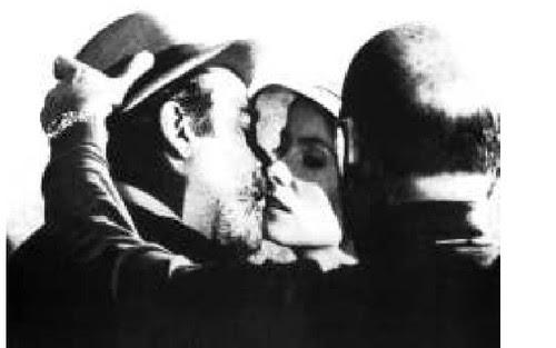Buñuel dirige a Fernando Rey y Catherine Deneuve en la escena del beso de Tristana
