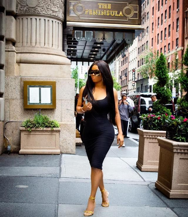 Onbecoming Nicki Minaj – Fans Accuse Toke Makinwa Of Plastic Surgery