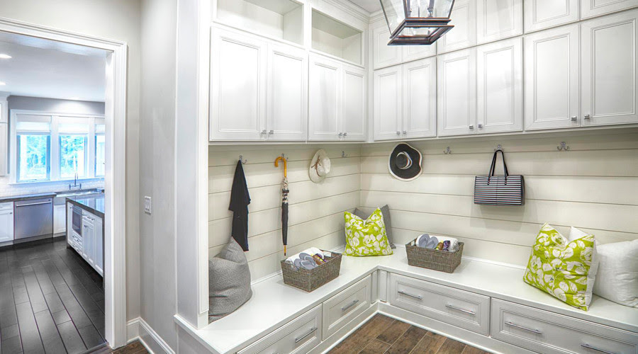 Dishing The Dirt On Todays Laundry And Mudrooms Chicago Tribune