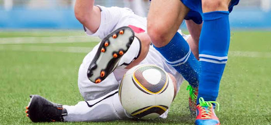 A meniscus tear can stall your soccer season: when it's time for meniscus surgery - Advanced Orthopedic & Sports Medicine Specialists
