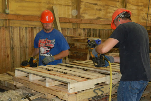 Customized Wood Pallet Solutions for Automotive and Industrial Business in Detroit