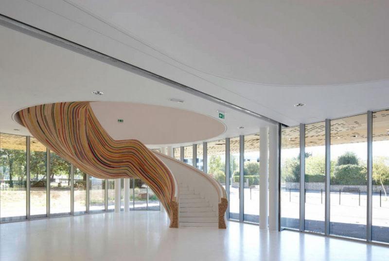 Escadas incrivelmente projetadas que estão um degrau acima das demais 28