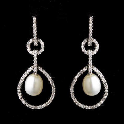 Elegant Pearl & Rhinestone Bridal Earrings   Elegant