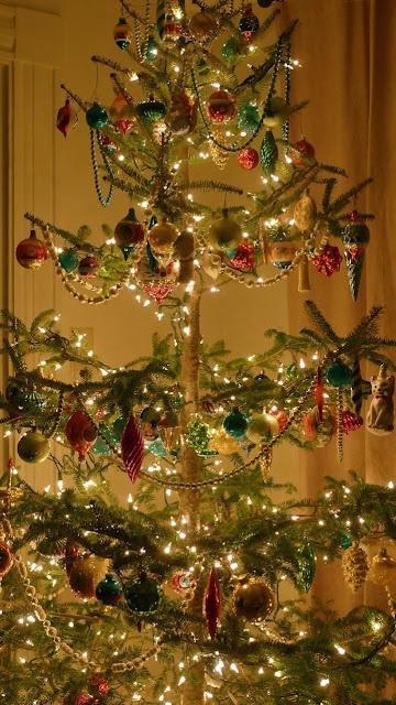 beautiful-vintage-christmas-trees-12