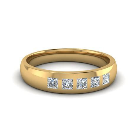 14K Yellow Gold White Diamond Men's Wedding Band