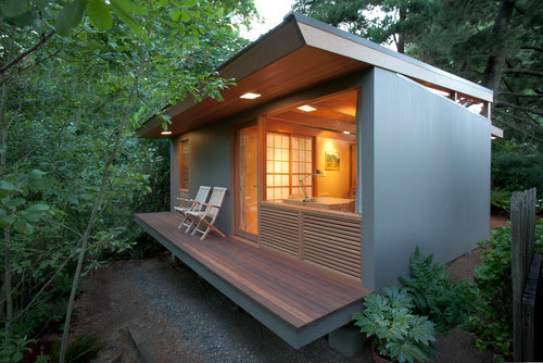 Small remote Guest House/Studio