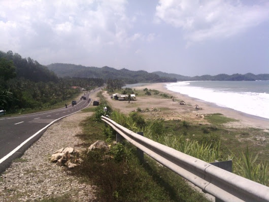 Photos of the beach in Jalan Lintas Selatan (The Cross Street South of Java Island) - I Love Indonesia
