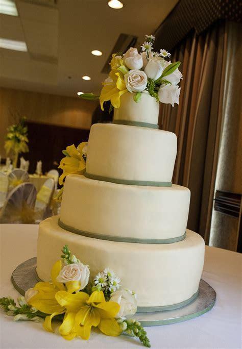 wedding cake destin FL   Lolo's Cakes & Sweets