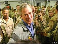 Bush forseti í Bagdad