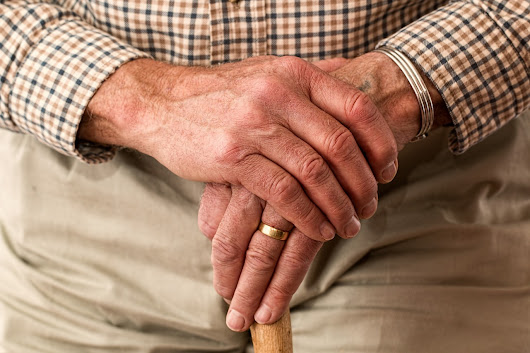 5 Common Examples of Elder Financial Abuse to Watch Out For - Solan, Park & Robello