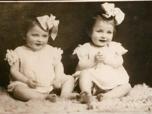 Eva and Miriam Mozes at age 12 months.