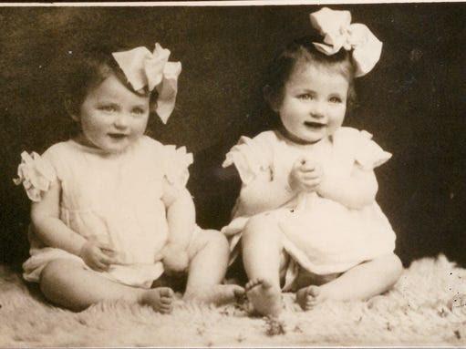 Eva and Miriam Mozes at age 12 months.