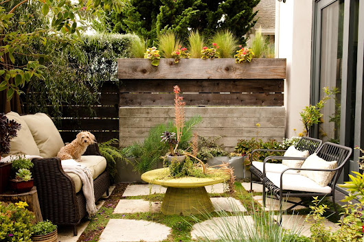 5 Small Backyard Ideas to Make Your Cramped Outdoor Space Feel Like Versailles
