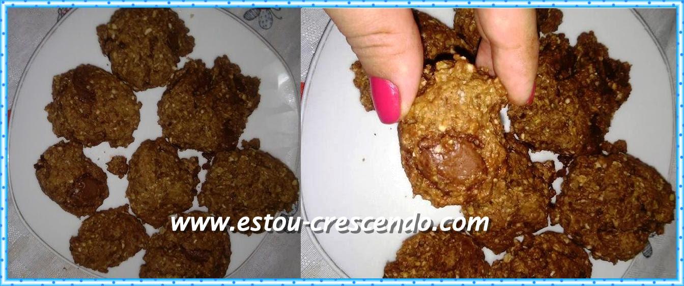 Receita dos biscoitos de chocolate com aveia preparado pela Aline Barros