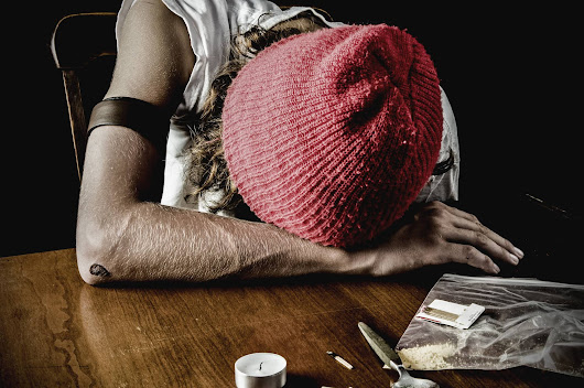 How Does Heroin Make You Feel? Here's Why Heroin Abuse is Common