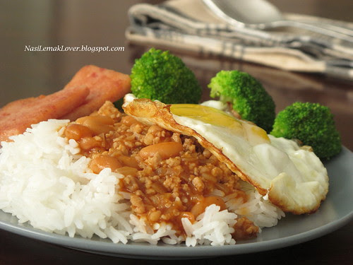 Minced meat & baked bean with rice