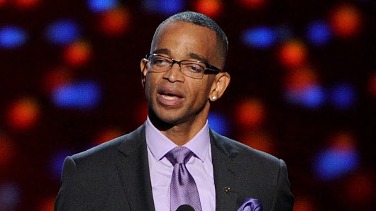 ESPN's Stuart Scott dies after lengthy battle with cancer
