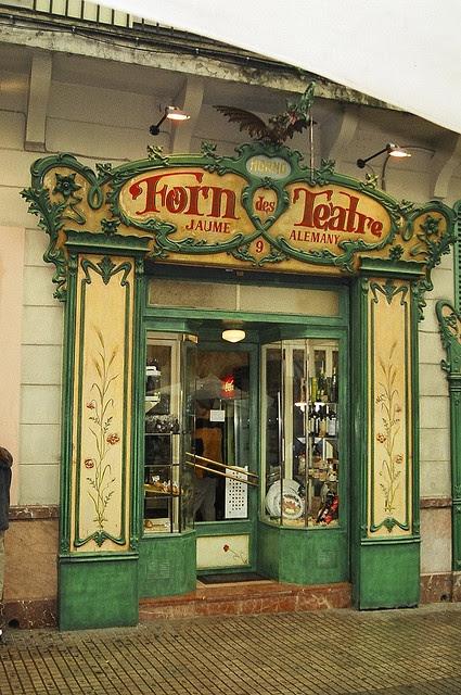 Panadería Forn des Teatre, Palma de Mallorca by Speedy-G, via Flickr