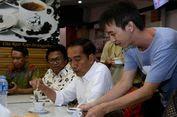 Saat Jokowi Menikmati Kopi Susu Seharga Rp 9.000...