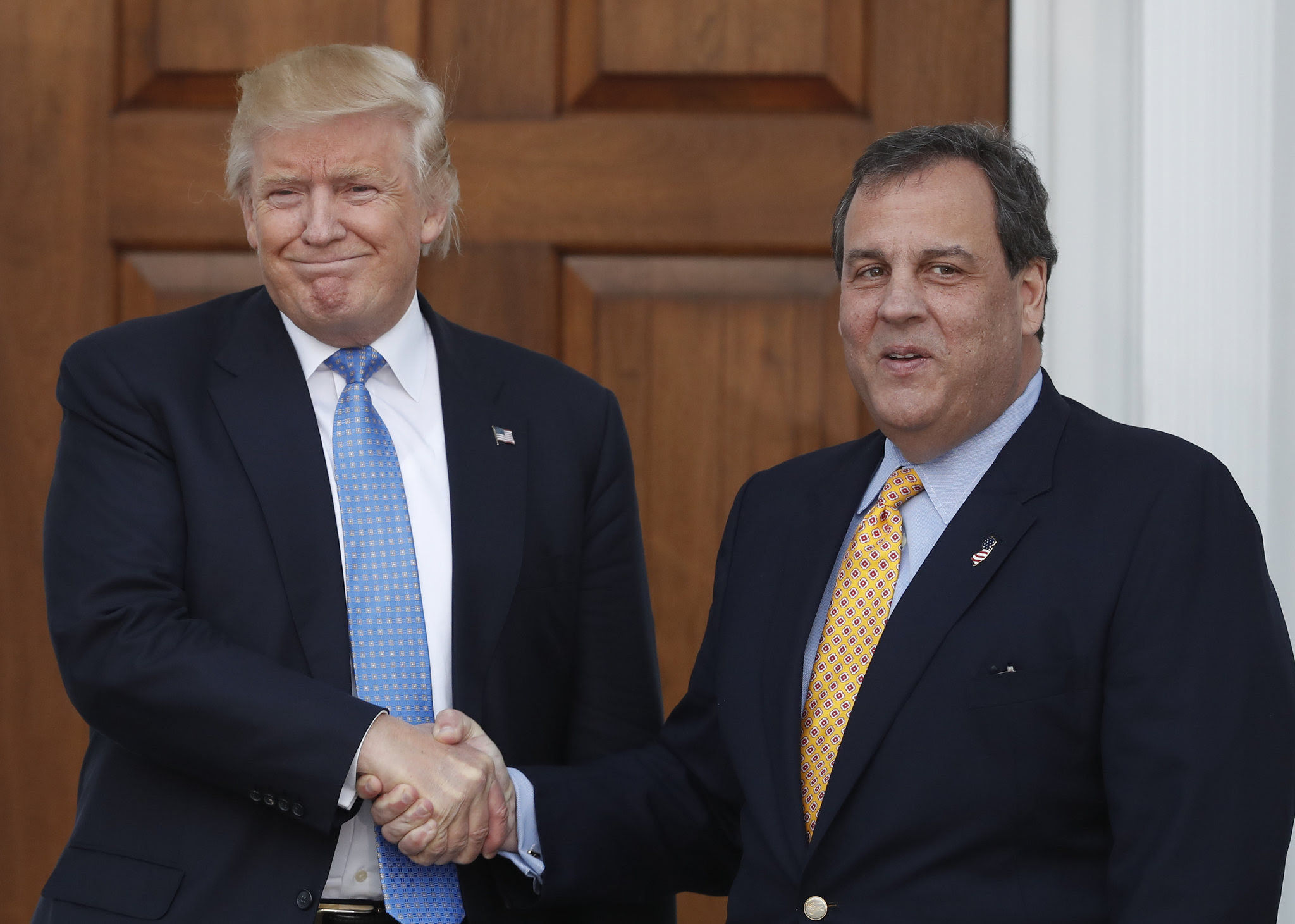 http://media.nj.com/politics_impact/photo/donald-trump-chris-christie-2586e427a389b57a.jpg