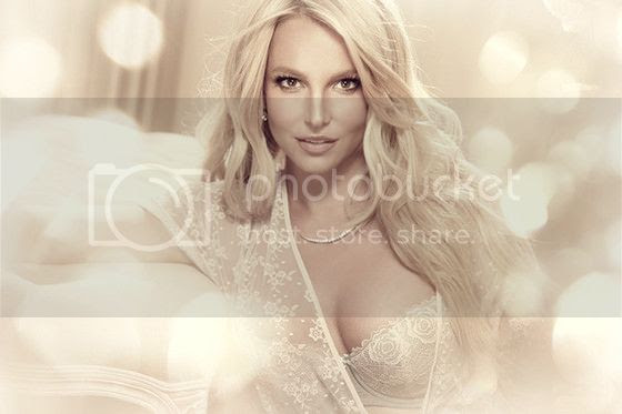 Behind the scenes + new promo pic: 'The Intimate Collection' By Britney Spears...