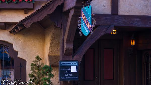 Disneyland Resort, Disneyland, Fantasyland, Castle, Heraldry, Shop