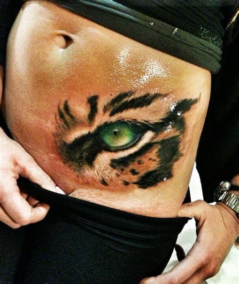 realistic tattoo eye   tiger realistic tattoo