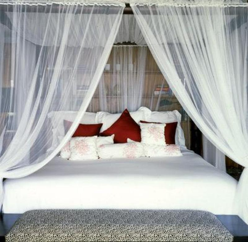 Small Bedroom Design Ideas For Couples