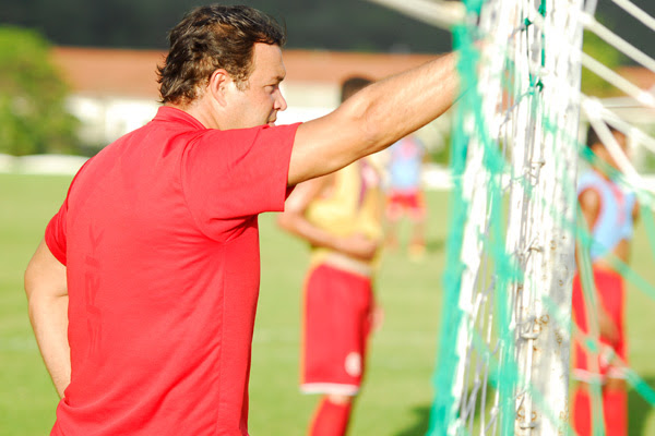 O técnico Roberto Fernandes criticou o setor ofensivo do seu time e epera um melhor rendimento no duelo de hoje, contra o Atlético/PR
