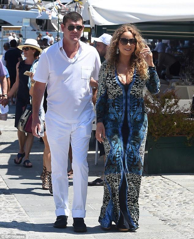 Romance: O casal aparentemente improvável primeiro set que falar em Junho do ano passado, quando as imagens surgiram deles de mãos dadas passeando ao redor da ilha romântica de Capri, na Itália