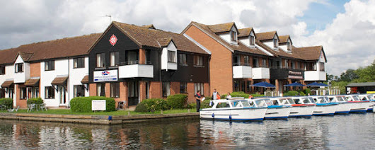 Cottage holidays on the Broads