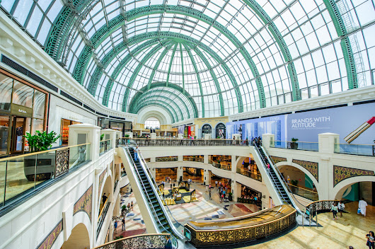 Retail: The Perfect Buy for Christmas - Banyan Hill Publishing