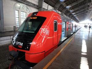 Trem da CAF entregue no ano passado para a Linha 8-Diamante (Foto: Divulgação)