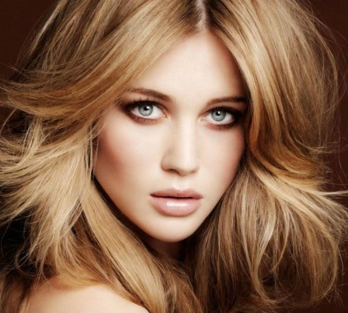 Weiblich Dunkelblonde Haare Blaue Augen | Augen DE