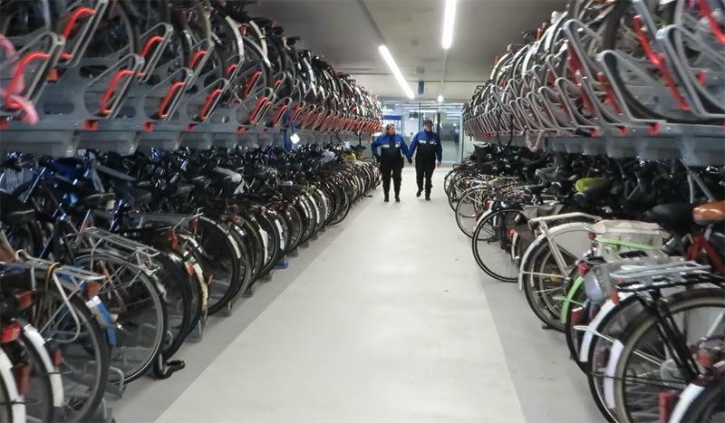 Resultado de imagen para estacionamiento bicicletas