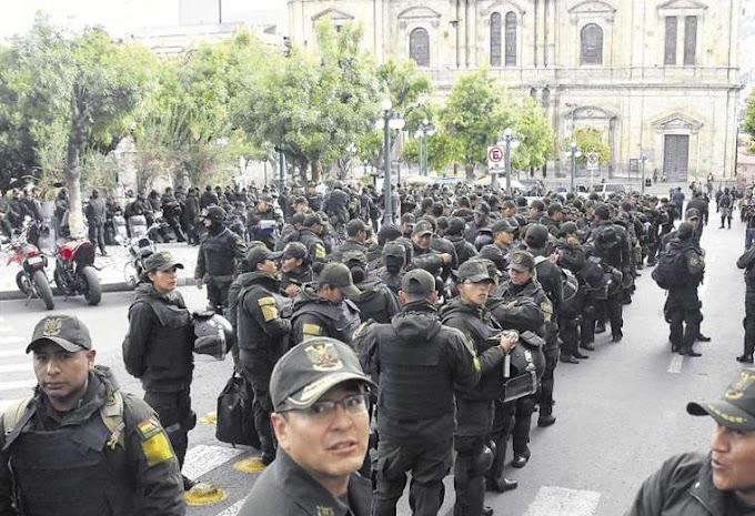 Bolivia: El Gobierno confirma pago a la Policía y lo denomina 'estipendio'