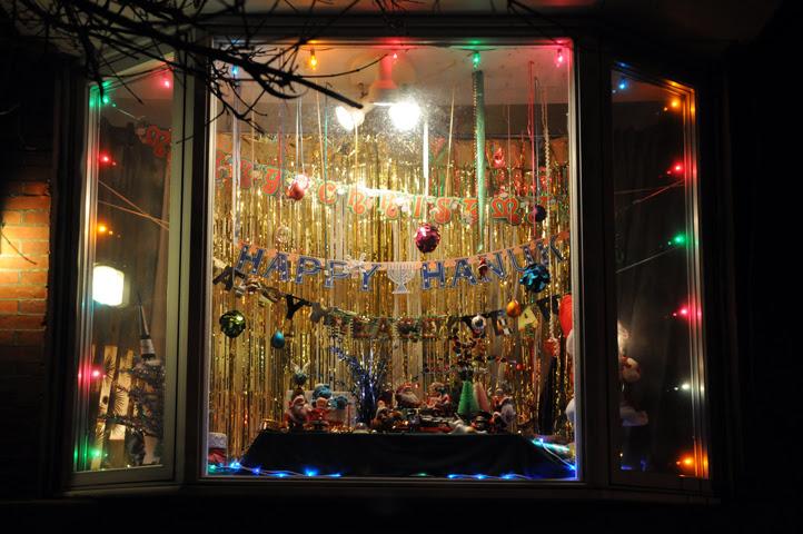 1313 holiday window_8480 web