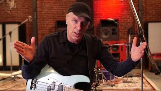 BILLY SHEEHAN Talks Changes In Music Industry: 'Many Great Bands Got Ripped Off And Ignored And Abused And Lied To'