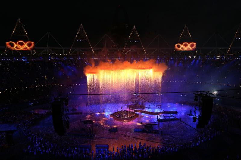 Arcos da competição foram iluminados com show de luzes:imagem 19