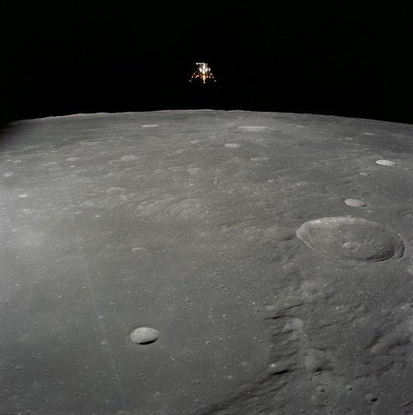Nov19-1969-Apollo12_descent