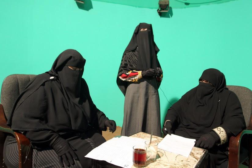 Canal de TV sólo con mujeres con 'nigab'
