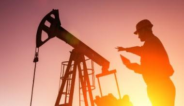 http://www.postcarbon.org/wp-content/uploads/2015/09/shutterstock_167379032-oil-pump-480-380x218.jpg