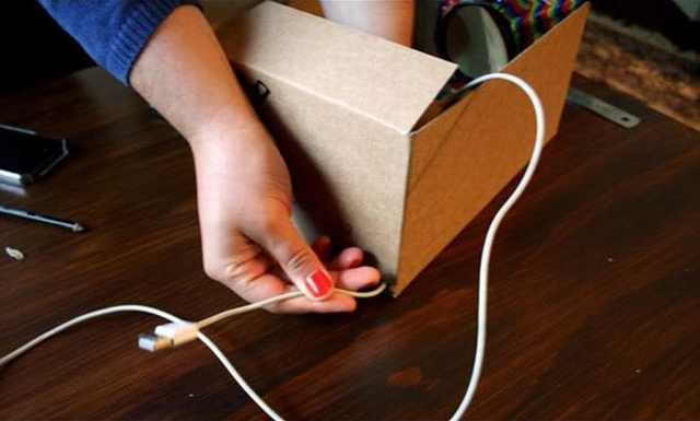 How To: Turn Your Smartphone Into a Projector!