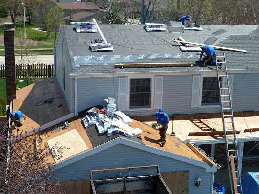 When to Use a Professional: Roofing