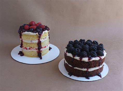 Baked: (mini) Naked Cakes ? Alana Jones Mann