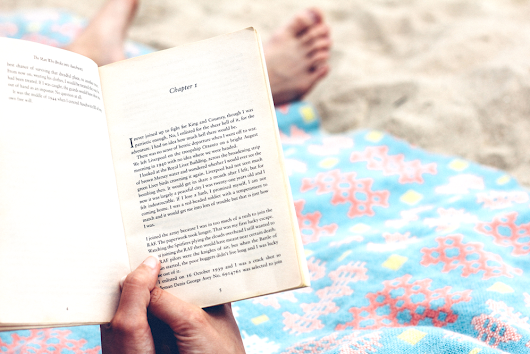 What Makes a Great Summer Read? | A. J. Sefton Author