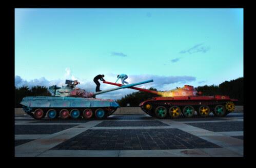 Tanques ucranianos grafitados